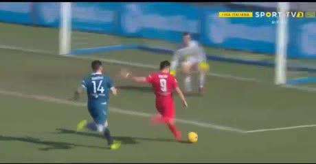 Gio Simeone metió el tercer gol de la Fiorentina