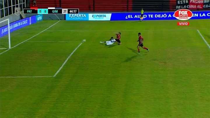 Patronato se perdió un gol increíble sobre el final