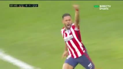 El Atlético y un triunfo agónico para soñar con la Liga
