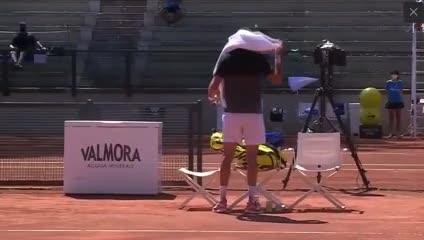 Final del partido con triunfo de Delbonis ante Khachanov.