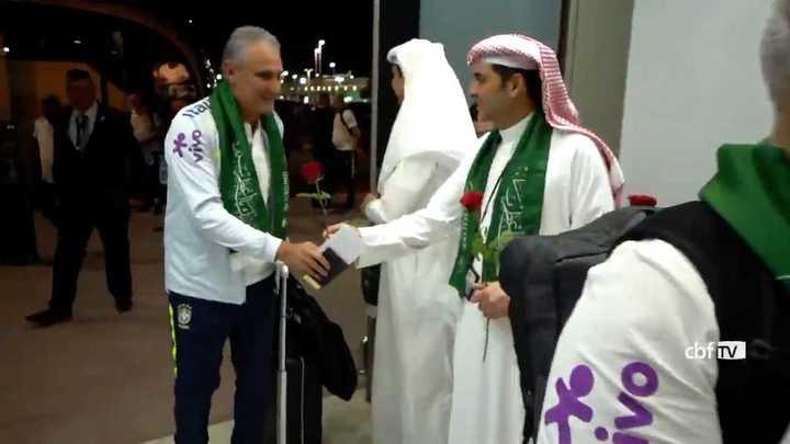 Brasil llegó a Arabia y así lo recibieron