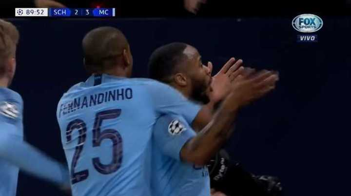 Sterling marcó el 3 a 2 del City
