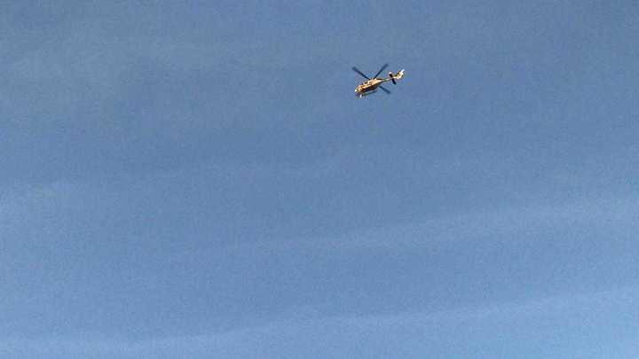 También hay helicópteros custodiando el ingreso de los hinchas