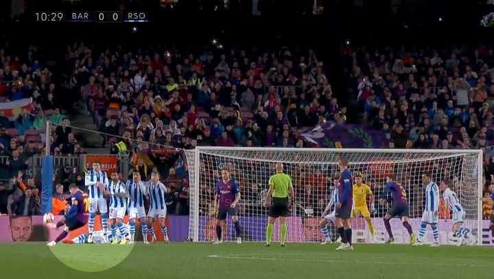Así defienden un tiro libre de Messi