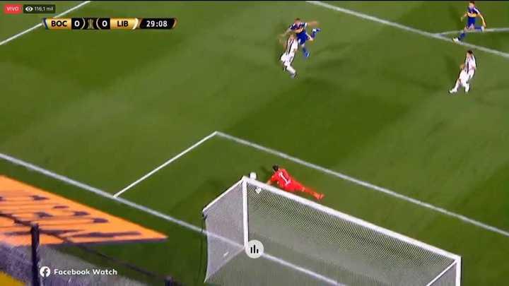 Silva le negó el gol a Carlitos