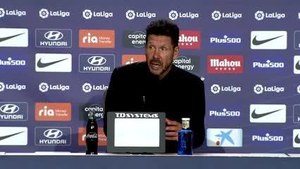 """Simeone: """"Messi es diferente y hoy no está"""""""