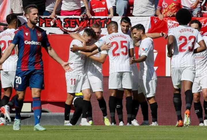 El Sevilla le ganó 5-3 al Levante