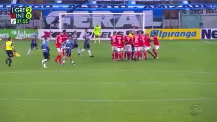 Nueva batalla campal en Gremio - Inter