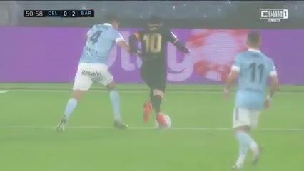 Gran jugada de Messi y Olaza la metió en contra