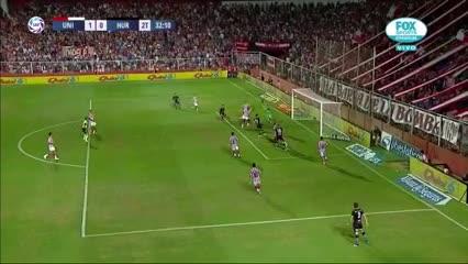 Martínez salvó a Unión en la línea