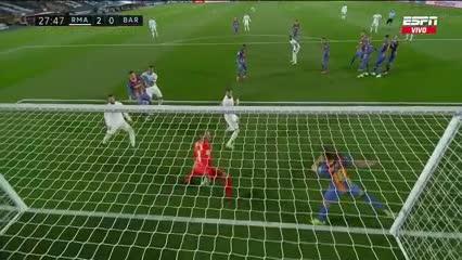 Tiro libre de Tony Kroos y 2-0 para el Real Madrid