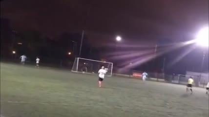 Uno de los goles de Urquiza a Real Pilar