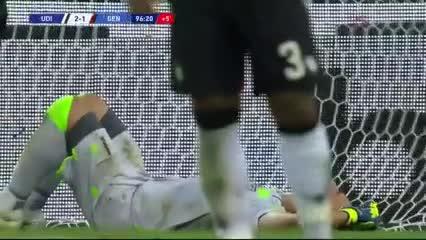 Musso atajó un penal pero fue gol