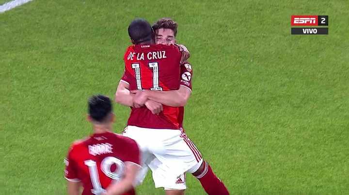 River abrió el marcador con gol de Álvarez