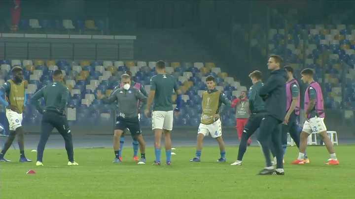La Mano de Dios suena en el estadio de Napoli previo al partido por Europa League
