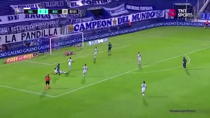 Villa marcó el 3 a 1