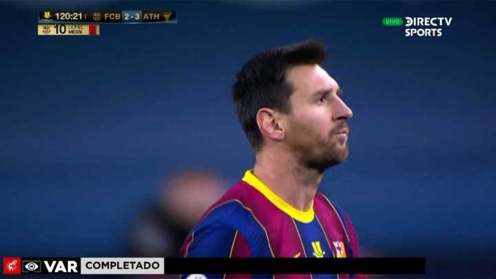 Messi golpeó a un rival, el VAR lo vio y fue expulsado