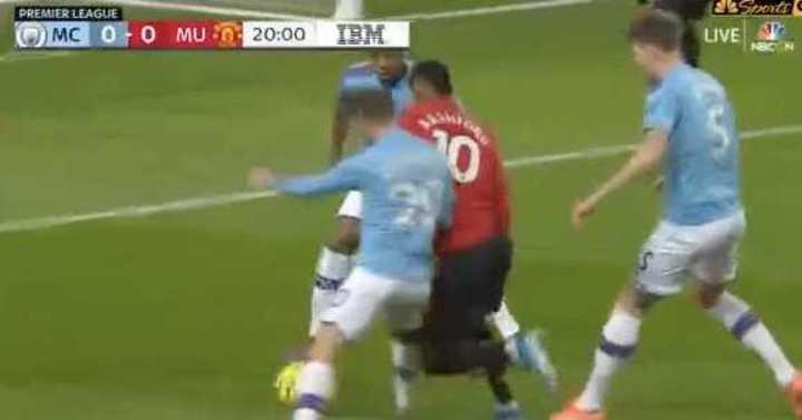 Con un penal otorgado por VAR, el United se puso 1 a 0
