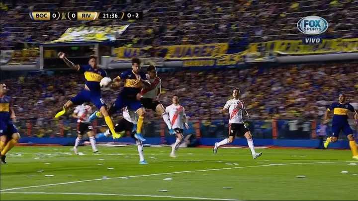 El gol anulado de Boca por mano