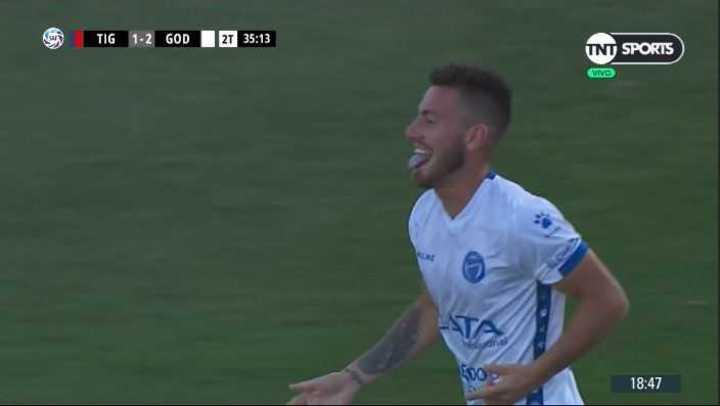 González anotó el 3 a 1 de Godoy Cruz