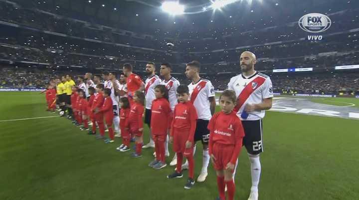 El himno sonó en el Bernabéu