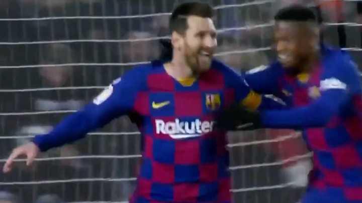 Taco de Vidal y gol de Messi