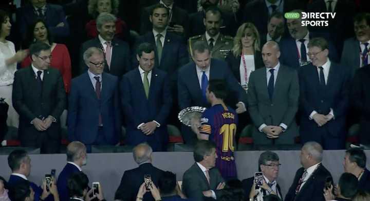 Messi recibió el premio al subcampeón
