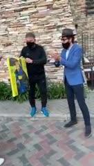 Passucci recibió el regalo por parte de un grupo de hinchas
