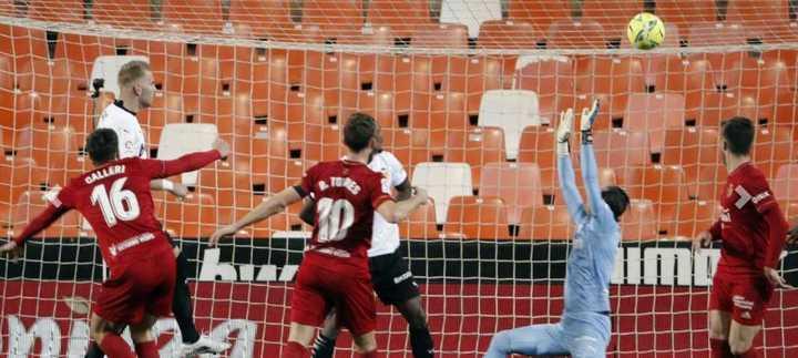 Gol de Calleri al Valencia