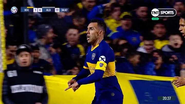 Tevez marcó el primero de Boca