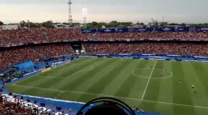 La gente de Colón en el estadio