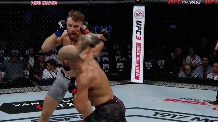 Tremendo nocaut en las Preliminares de UFC