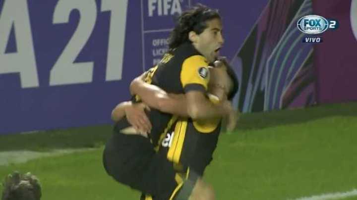 Los goles de Peñarol 3 Paranaense 2