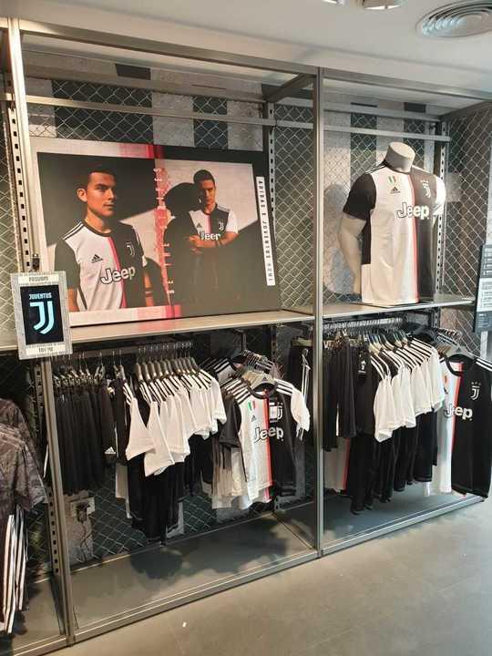 La promo de la nueva camiseta de la Juve