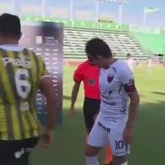 Fernando Espinoza y su truco para evitar el caño del Pulga