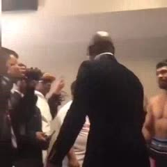Mayweather saludó a Pacquiao en Las Vegas