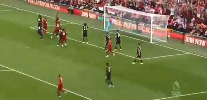 Matip, de cabeza, abrió el marcador para Liverpool