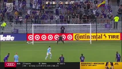 Otro gol de Taty Castellanos