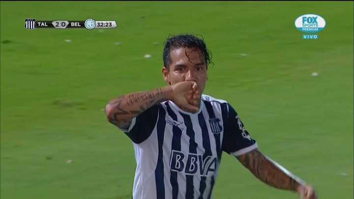 Doblete y golazo para Moreno