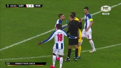Marchesín atajó un penal pero el VAR lo repitió y Havertz puso el segundo del Leverkusen