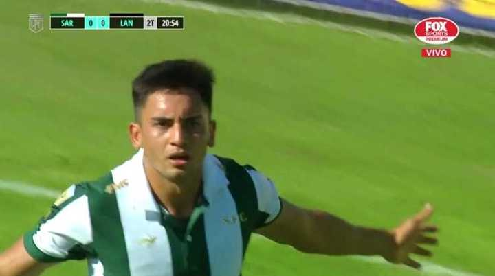 De penal, Torres marcó para Sarmiento