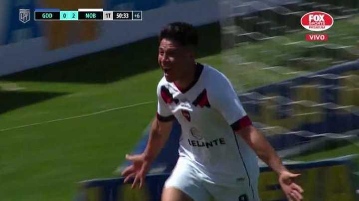 Cristaldo cambió el penal por gol para el 2-0