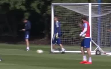 El enojo de Higuaín durante la práctica del Chelsea
