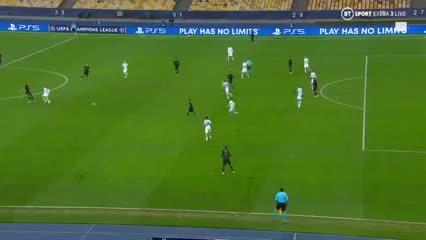 Dest marcó el primero de Barcelona