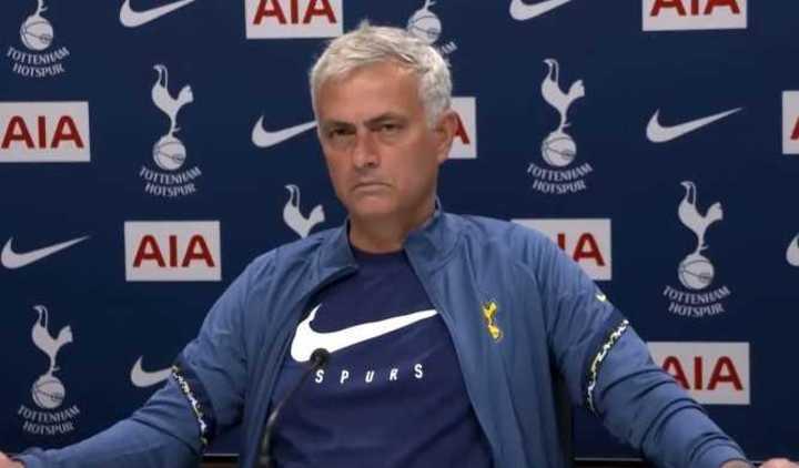 Mourinho y su gesto ante un periodista