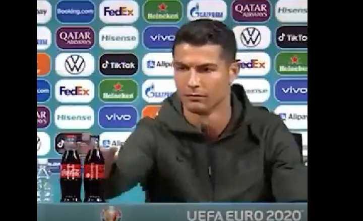 Ronaldo sacó las botellas