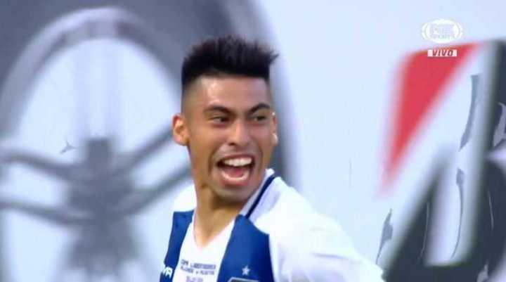 Ramírez, de penal, puso el 2 a 0 para Talleres