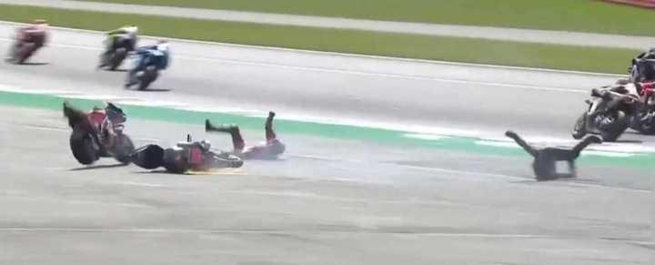 Tremenda caída en Silverstone