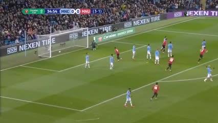 El gol de Matic en el clásico de Manchester
