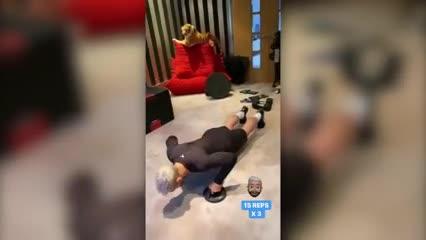 El Kun Agüero entrena en su casa